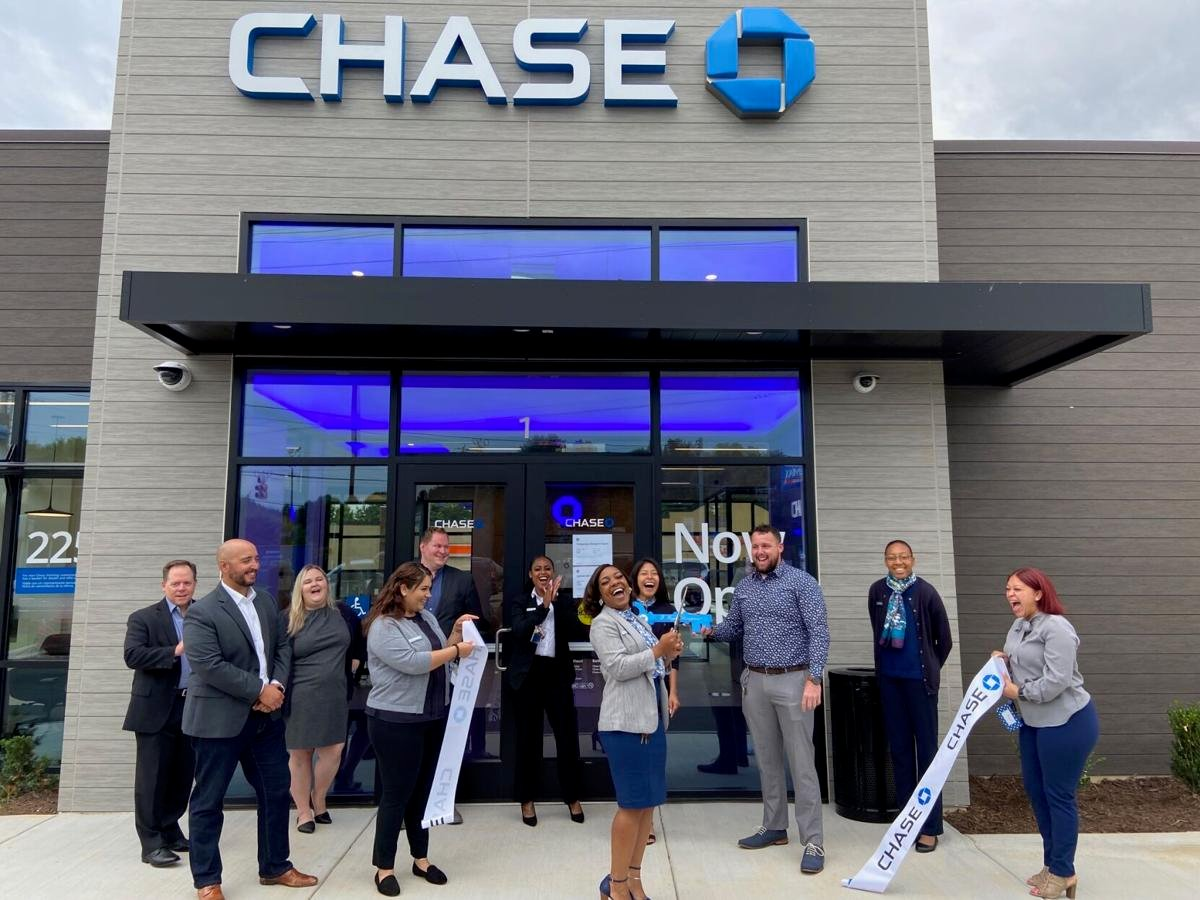 Ribbon Cutting at Chase Bank at Farrs Bridge Road