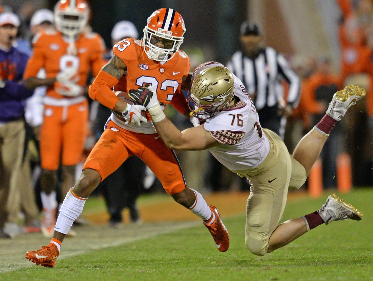 Clemson's Van Smith makes play of the game in win over ...