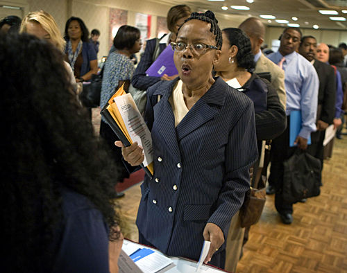 Jobless claims down, but foreclosure crisis could worsen if jobs remain elusive