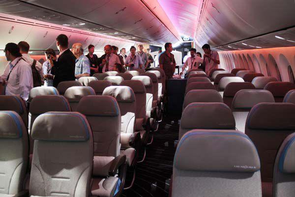 Boeing, Airbus gain orders