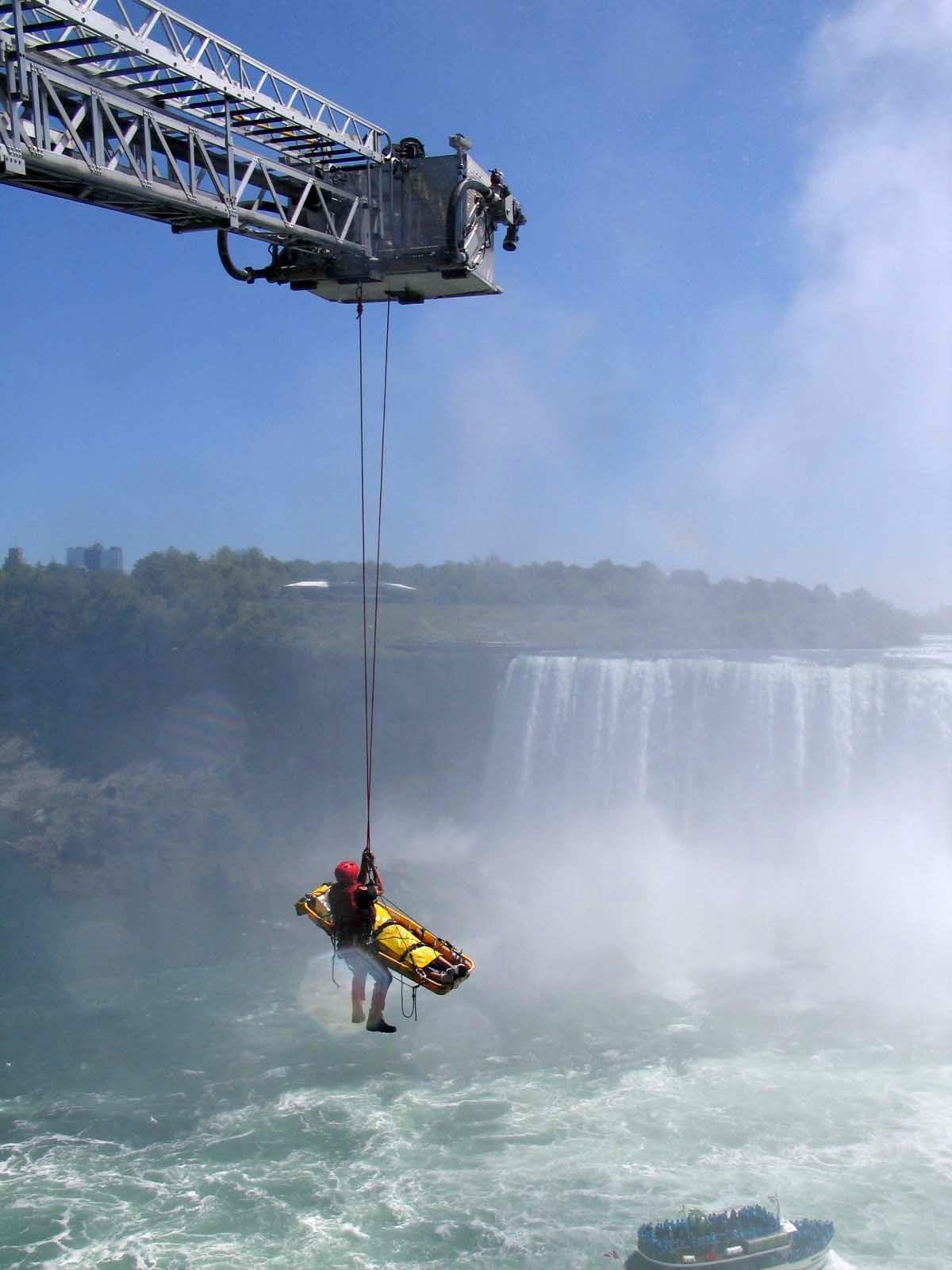 Man in stable condition after plunge over Niagara Falls