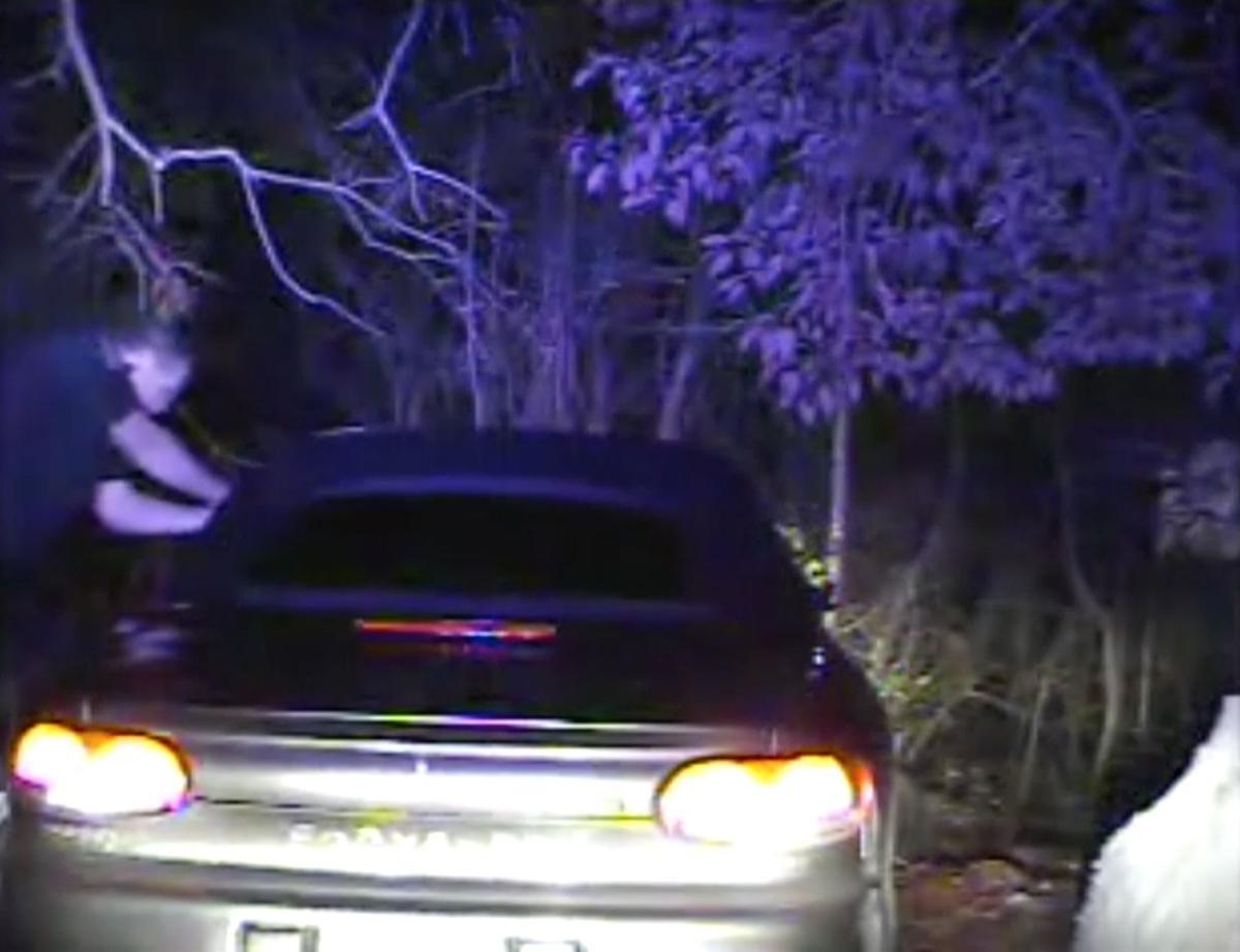 6080< AP-US--Officer Indicted-South Carolina, 4th Ld-Writethru,912<\n>Prosecutor: Despite video, officer's shooting was tough case<\n>AP Photo MH101, SCX101, NY123, NY124, SCAIK202, SCAIK201