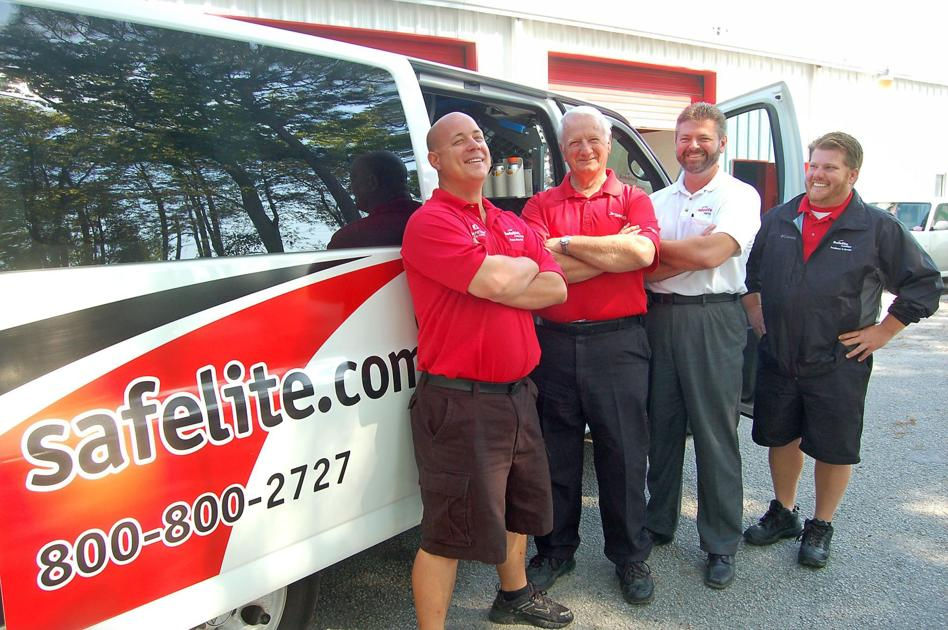Technicians, specialists at auto glass fix-it chain's North ...