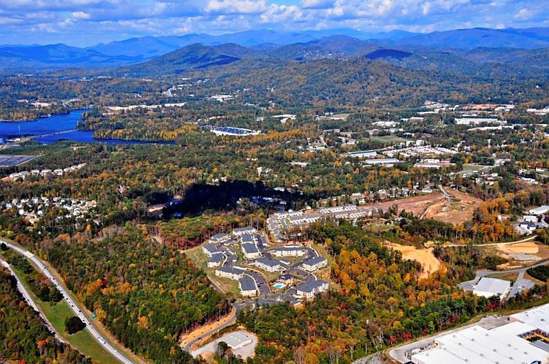 Charleston firm launches leases at new apartments in North Carolina mountains