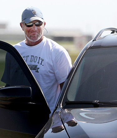 Favre circus has a return appearance in Minnesota