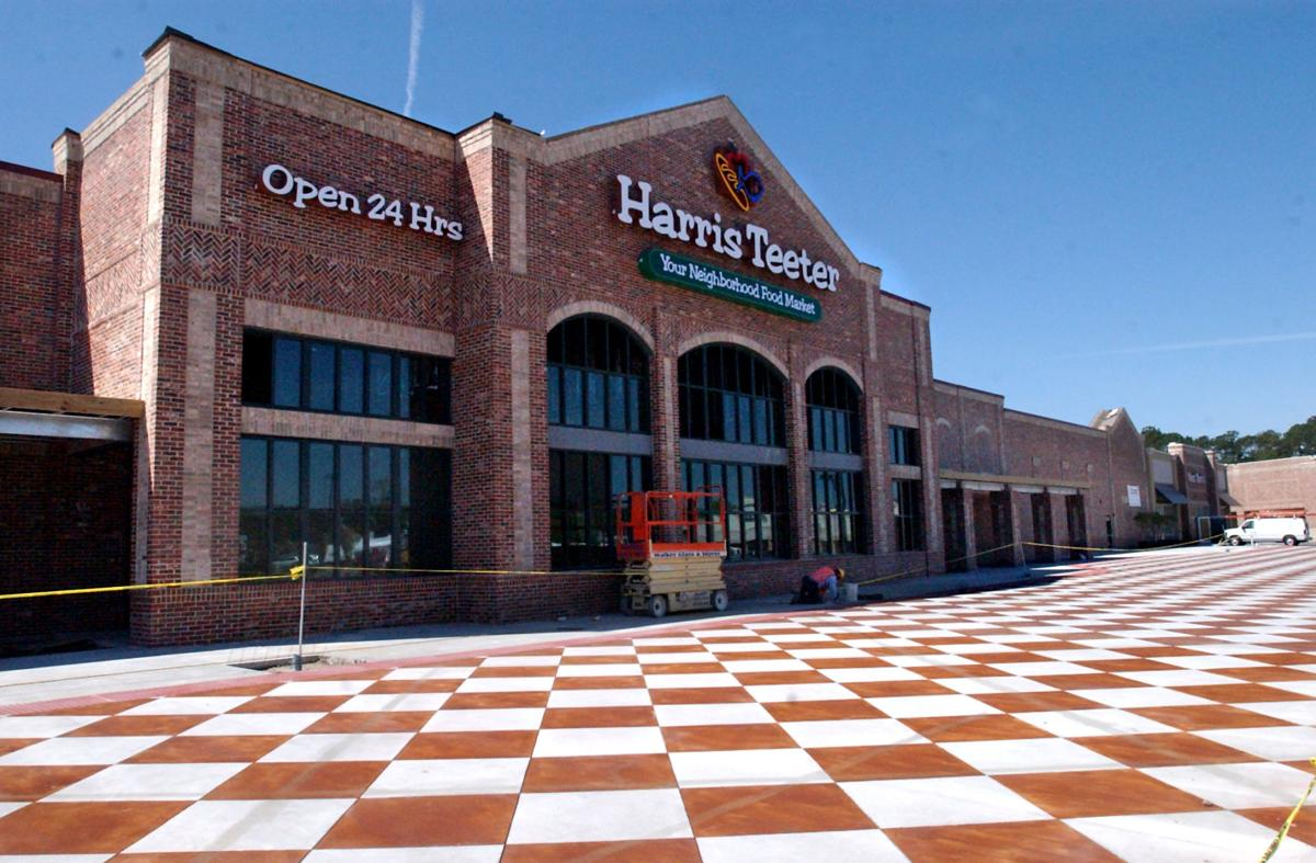 Suitors lining up for Harris Teeter chain, report says