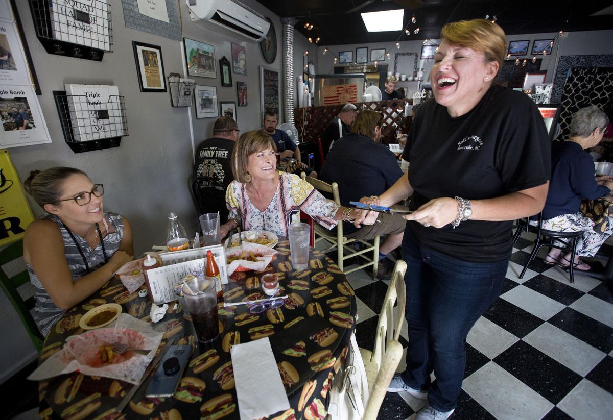 Matts Burgers summerville.jpg