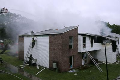 None seriously hurt in West Ashley fire