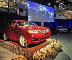 BMW growing again: $900 million expansion includes 300 jobs