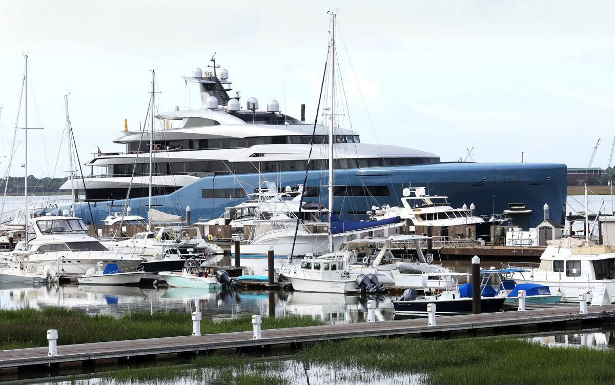 Super Yacht Aviva