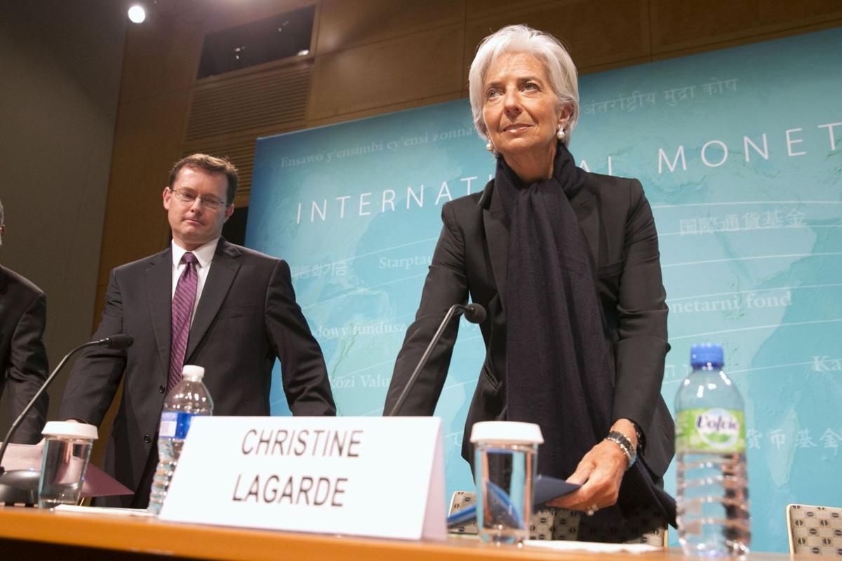 IMF urges Fed to hold off on raising interest rates