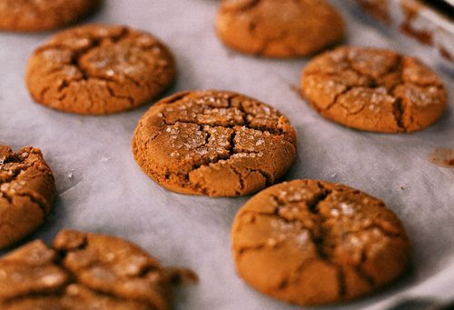 TAYLOR COLUMN: Cracked cookie surface stirs up memories