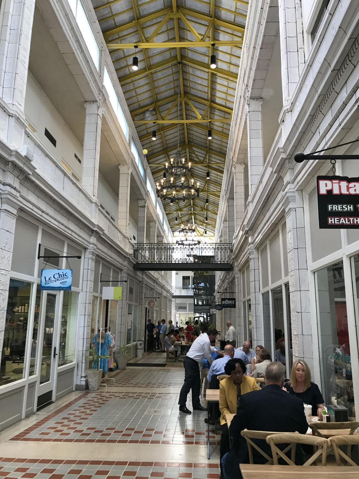 Columbia's Arcade Mall at lunchtime (copy)