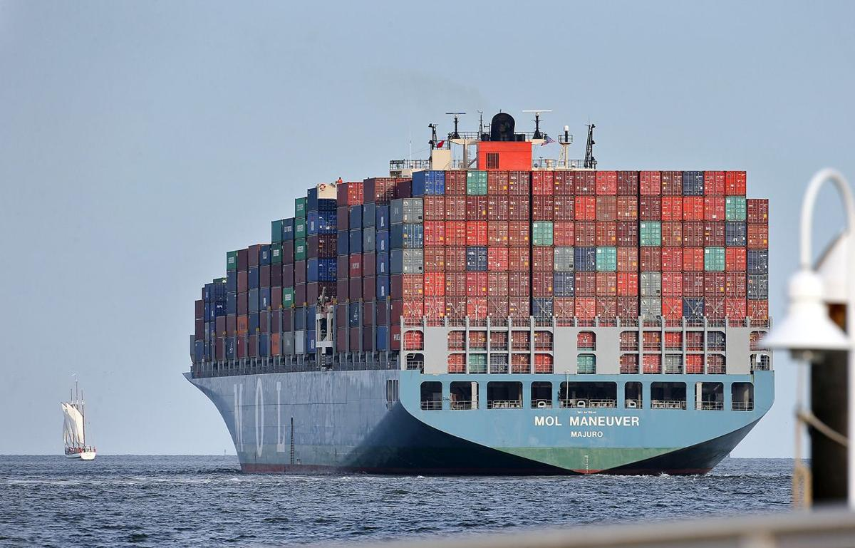 Port year 'memorable,' with choppy seas ahead SPA celebrates strong cargo growth, new companies coming to S.C., but faces traffic woes, shipping slump