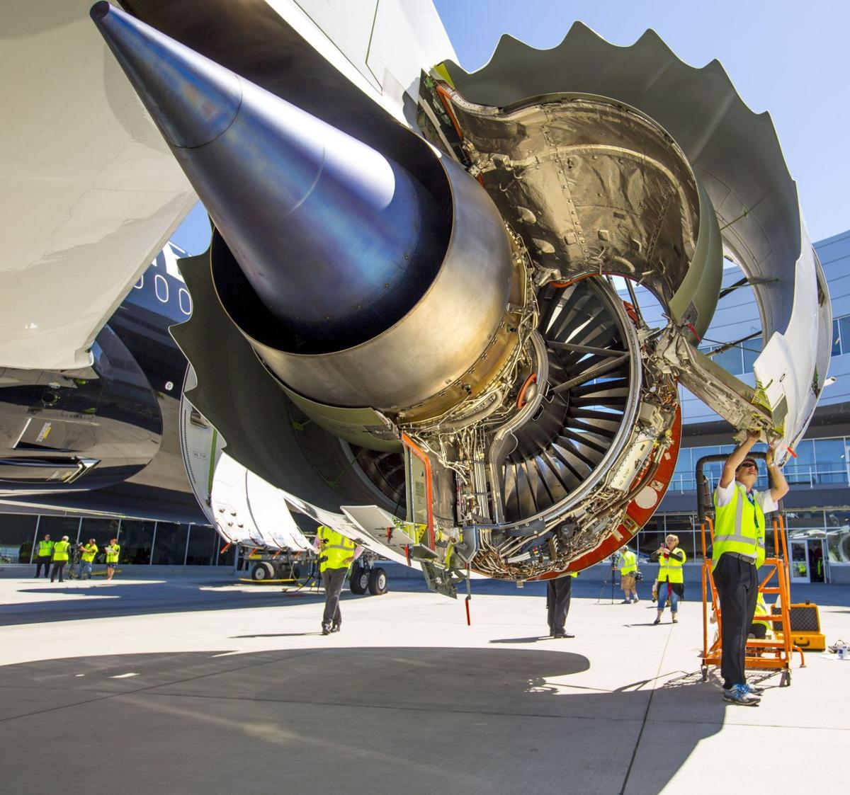 Boeing keeps focus on deliveries even as Airbus wins title for orders