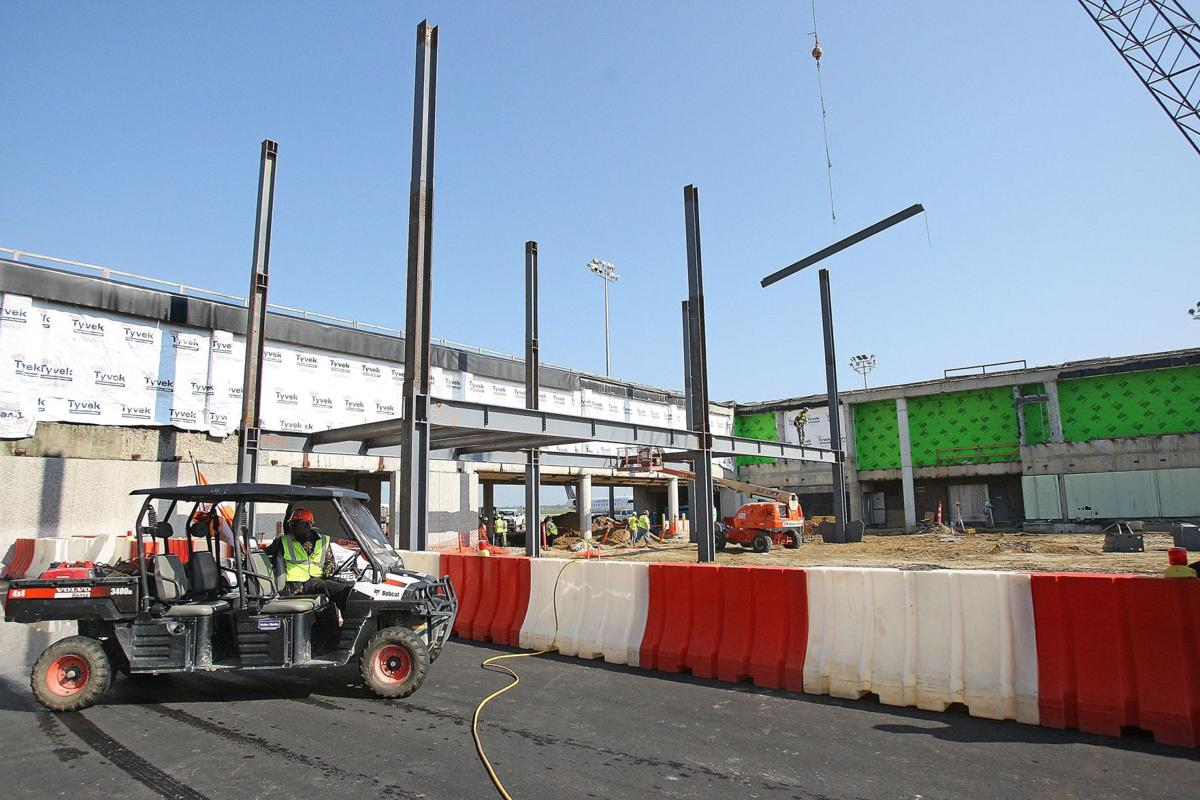 Asbestos removal at airport to delay construction, cost $670,000