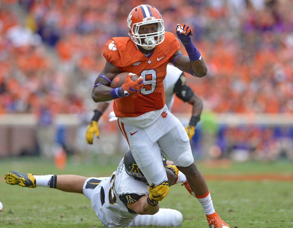 Postcard from Louisville: Clemson part of a Papajohn's 2-for-1 deal