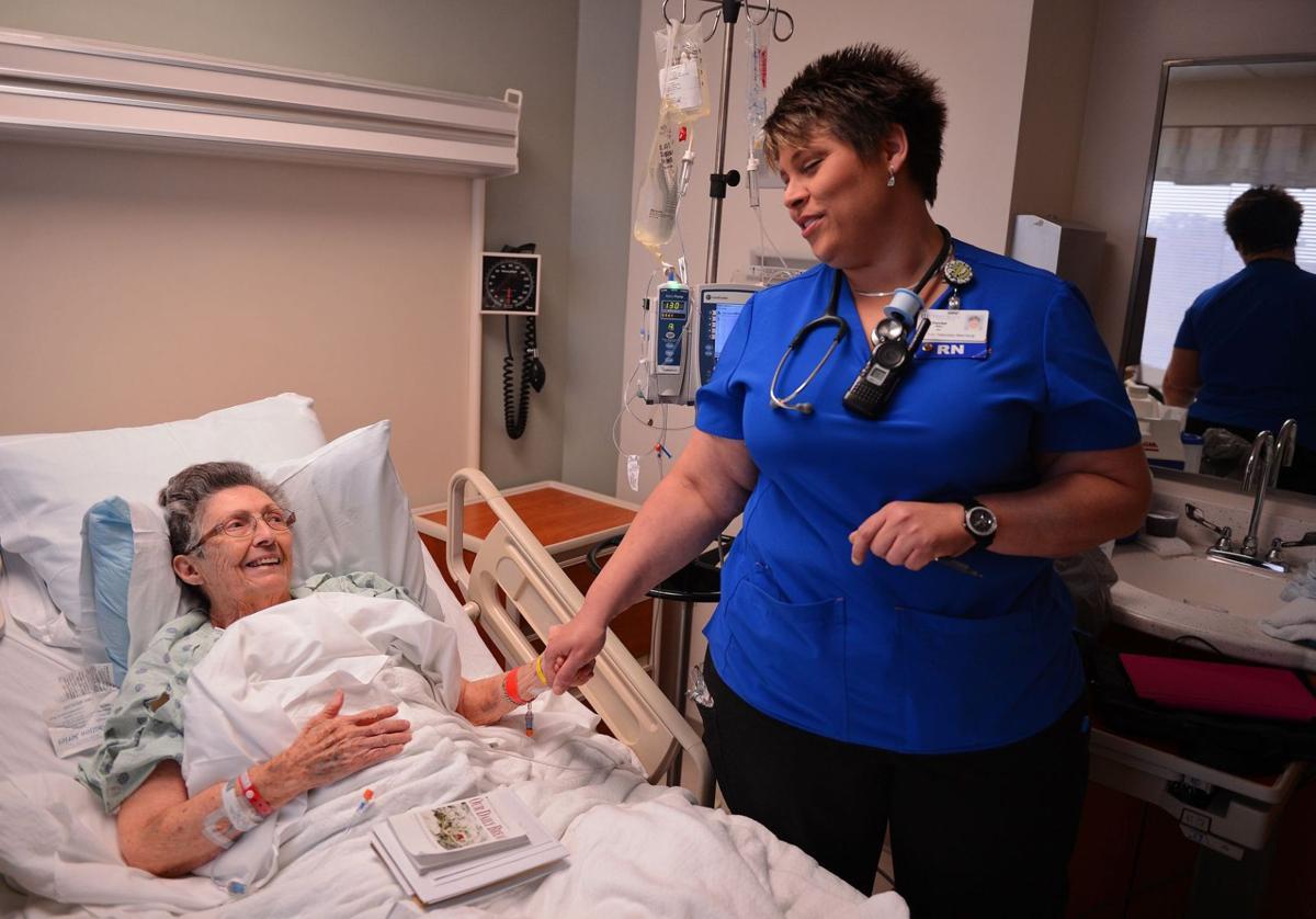 Spartanburg nurse treats patients to a song