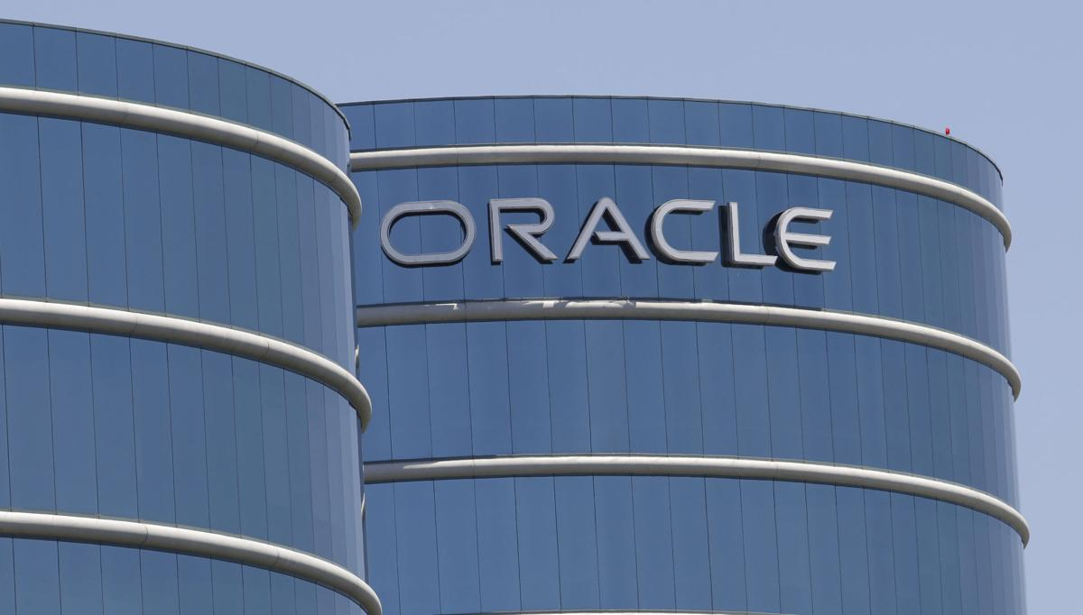 Oracle's 1Q earnings rise, but revenue disappoints