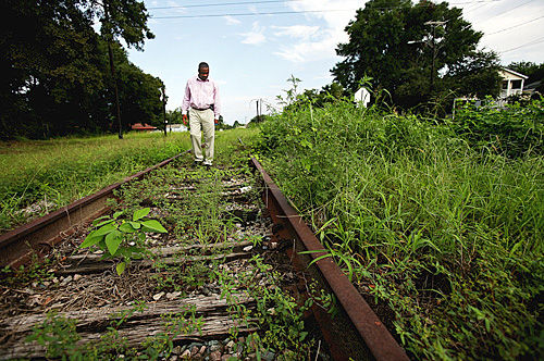Summey talks with residents about rail plan