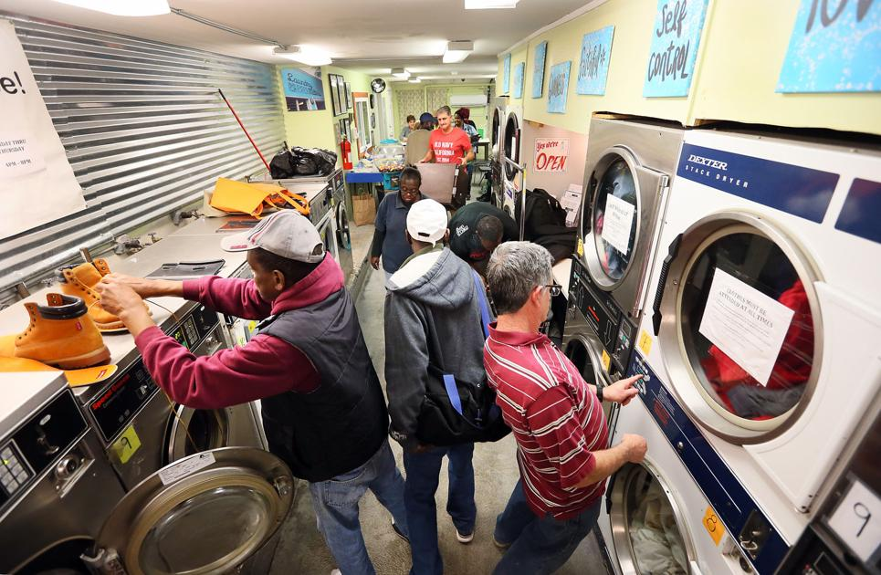 Charleston laundromat serves as gathering place, resource for the needy on Charleston's East Side