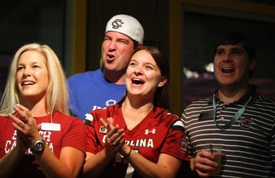 USC fans celebrate Clowney's selection