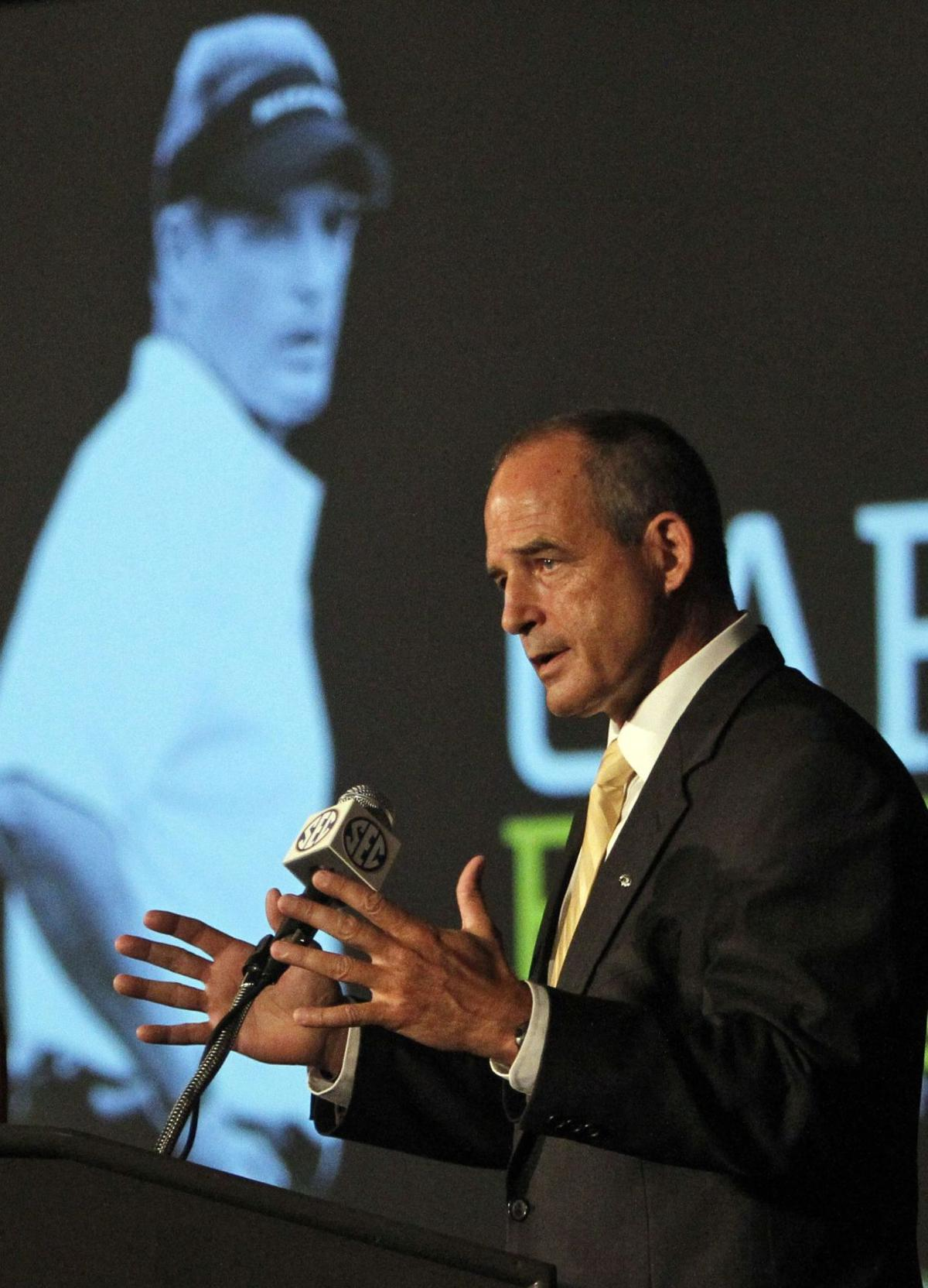 Missouri's Pinkel on up-tempo offenses endangering players: 'It's fiction'