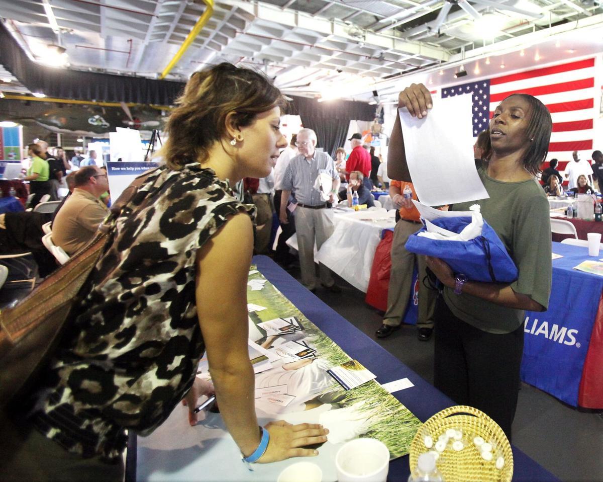 Vets on job hunt Hundreds pack employment fair on Yorktown