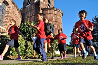 Tapping the marathon goal for young students