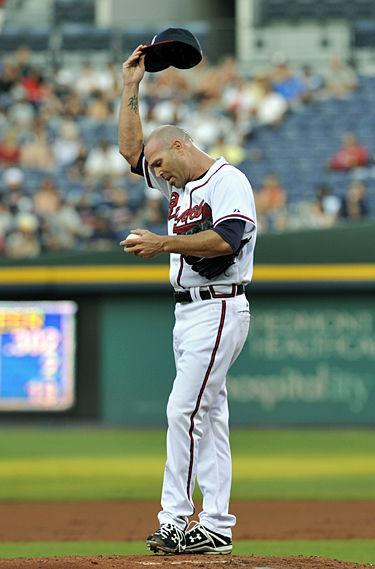 Mets cut short streaks by Hudson, Braves