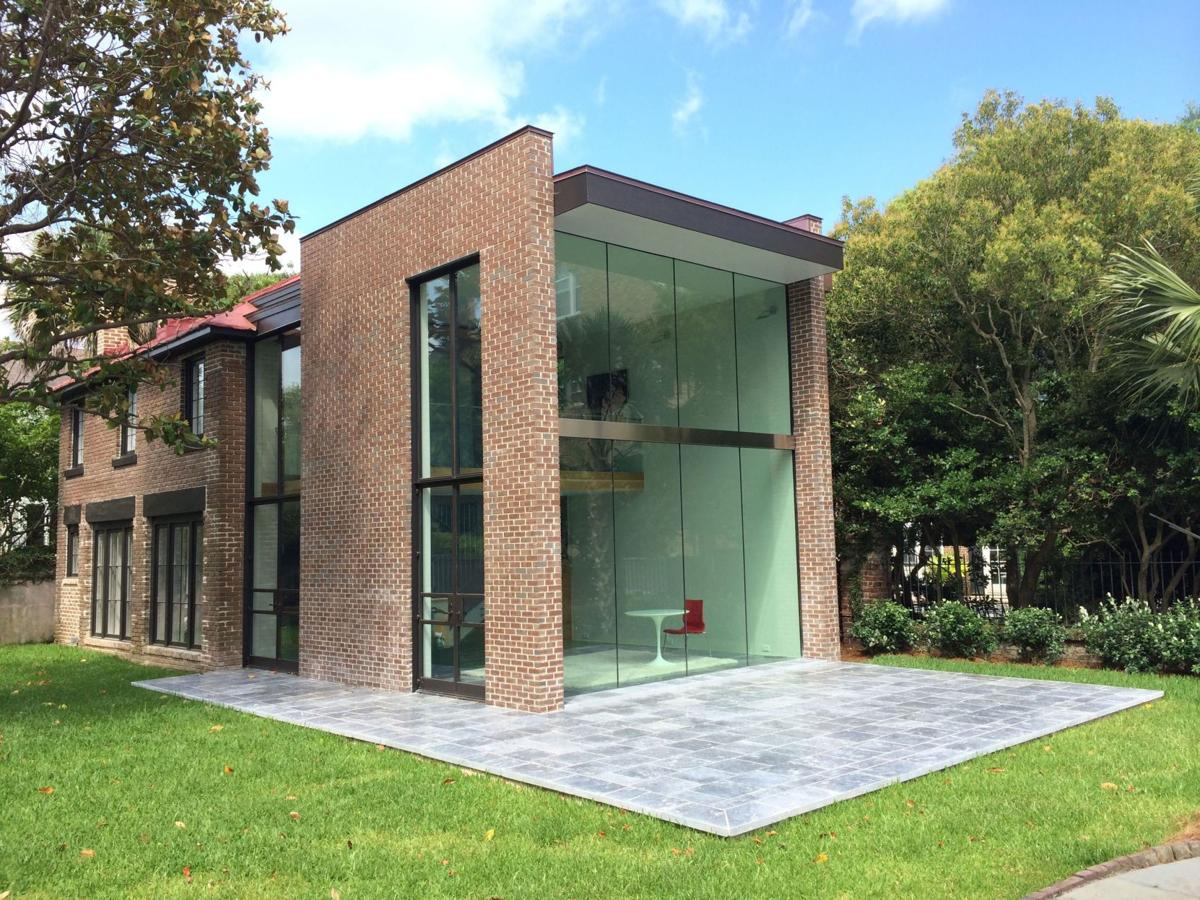 Glass house on battery shatters expectations columnists for Small glass homes