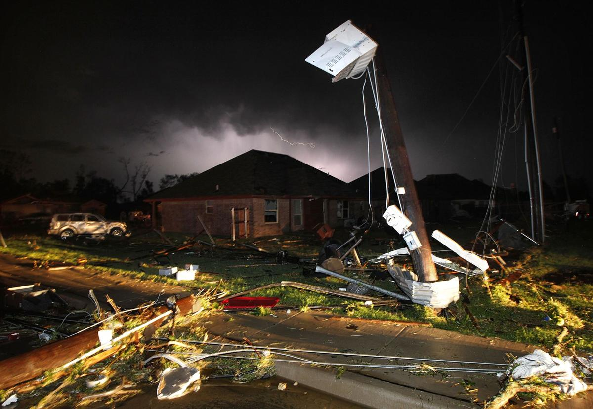 Violent tornadoes sweep through North Texas, killing at least 6 people, injuring dozens
