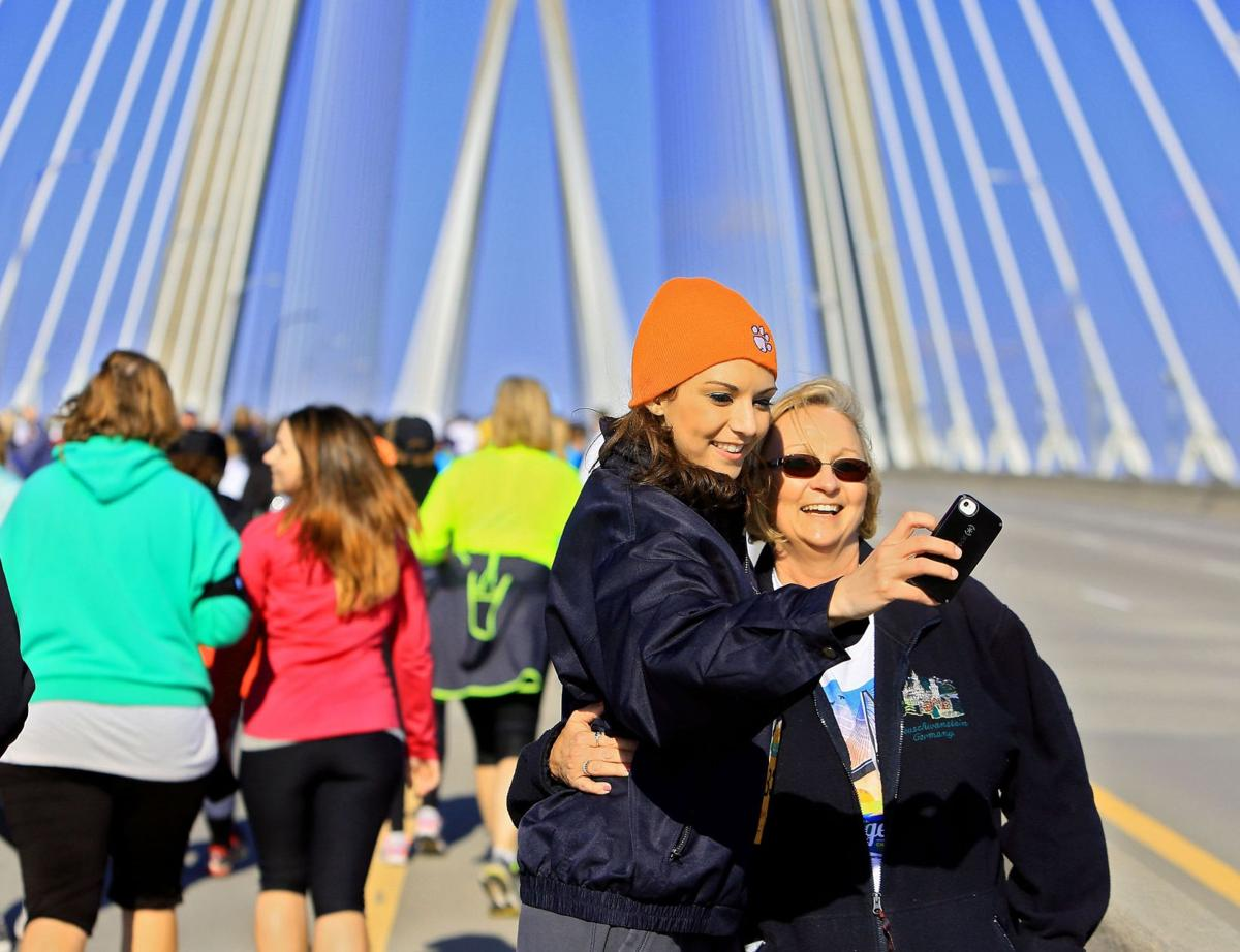Grapevine: Charleston Bridge Run runners, walkers chew up scenery, data