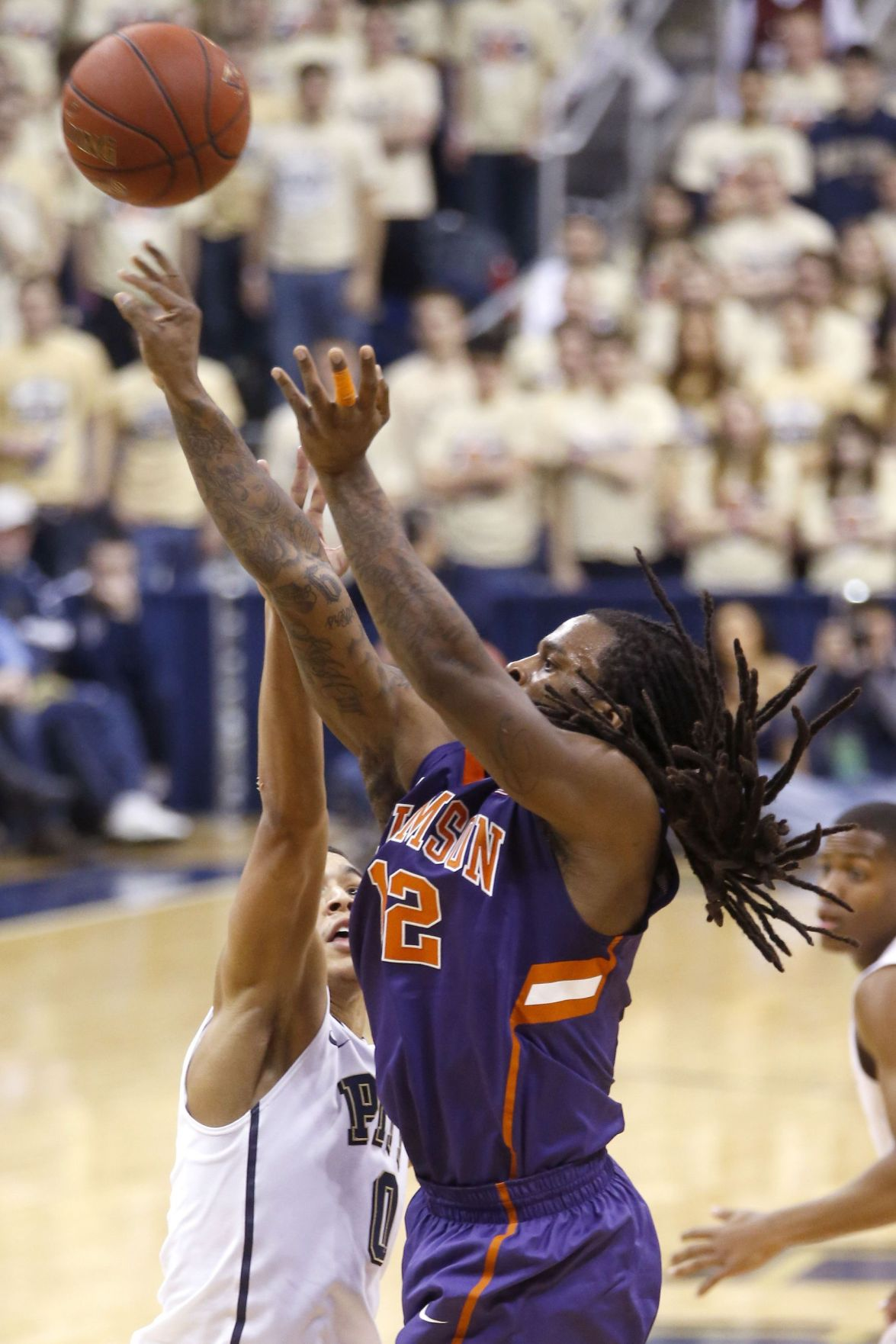 Blossomgame fuels Tigers in victory