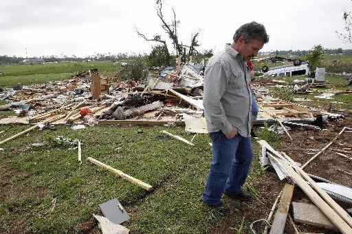 1 dead as storms pound South for 2nd straight day
