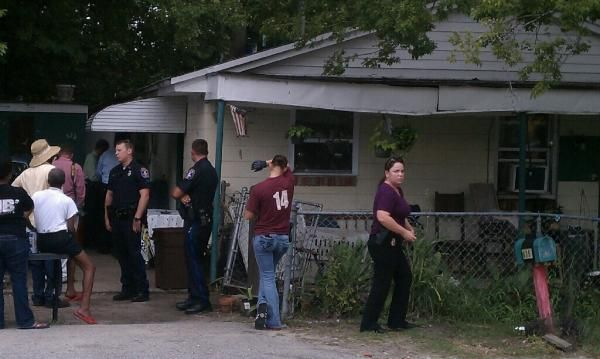 Charleston police serving search, arrest warrants in Ardmore subdivision