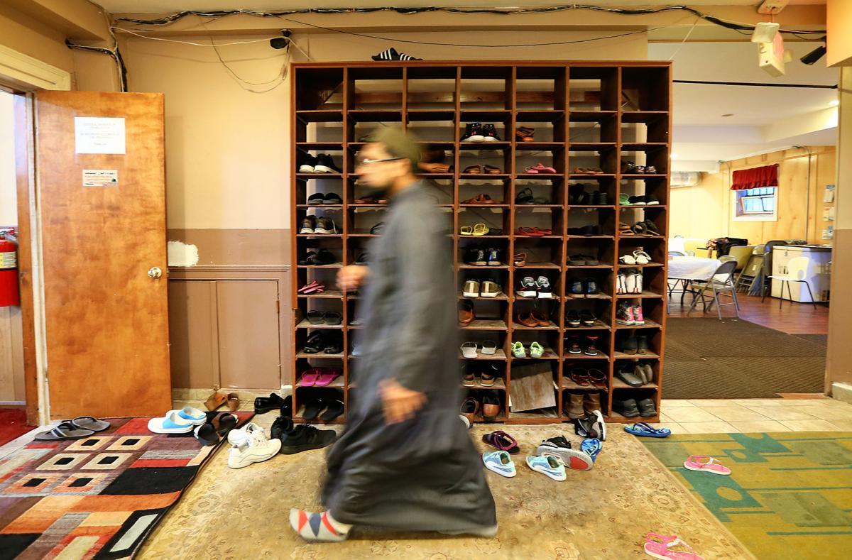 shoes mosque ramadan.jpg