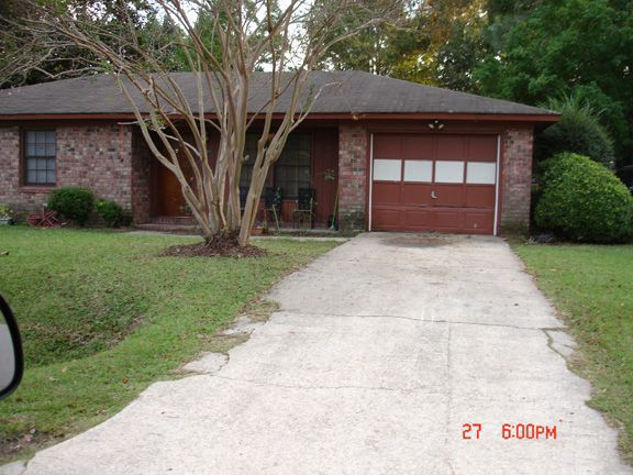 4487 Kindlewood Drive U0026#151; Enclosed Backyard, New Appliances Boost Cozy  Brick House