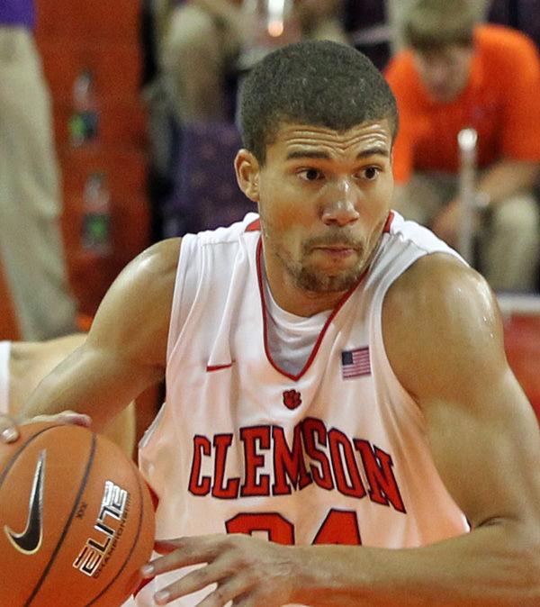 Clemson's Jennings returns from suspension