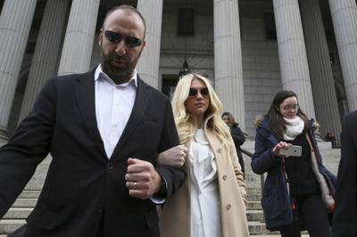Taylor Swift donates $250K to Kesha amid fight with producer Dr. Luke