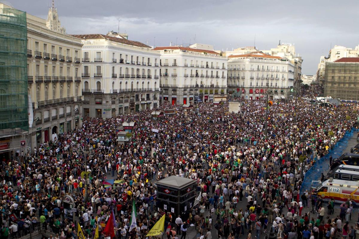 100,000 protest in Spain