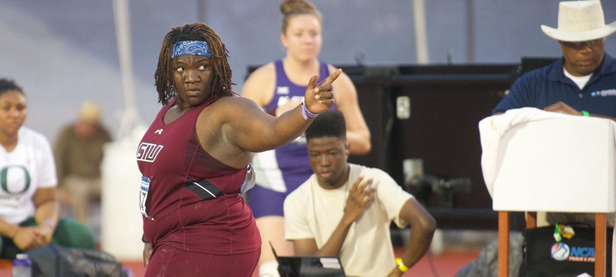 Saunders chases second NCAA title