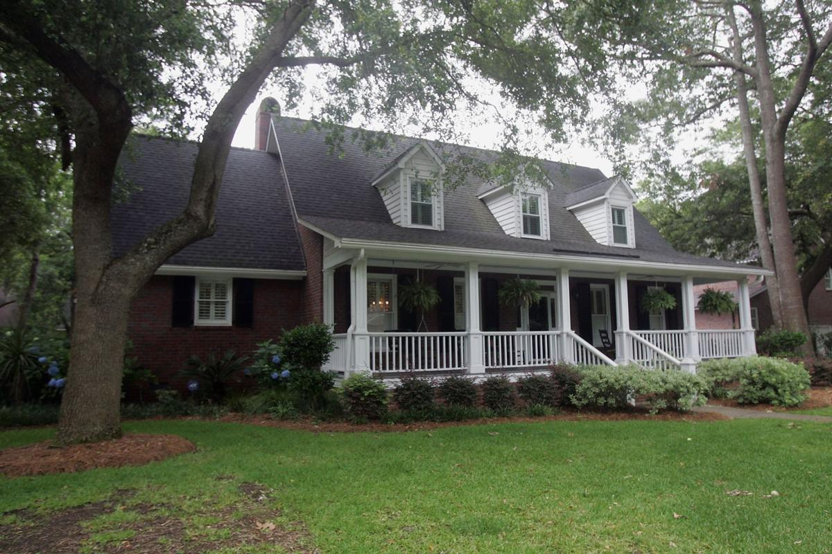 2229 Weepoolow Trail — Versatile home in outer West Ashley boasts enlarged family room, perks galore