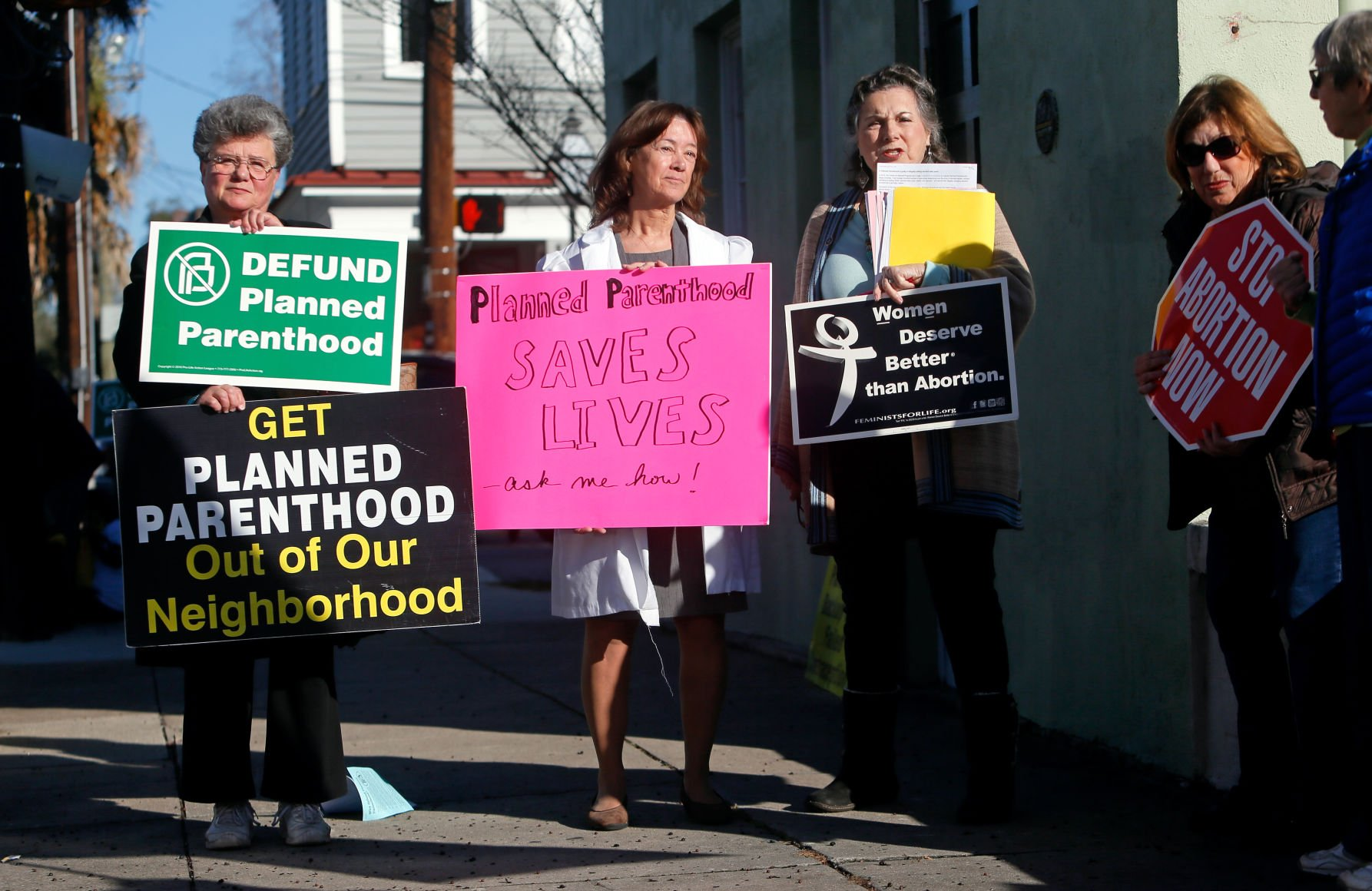 South Carolina Blocks Executive Agencies From Funding Abortion Clinics