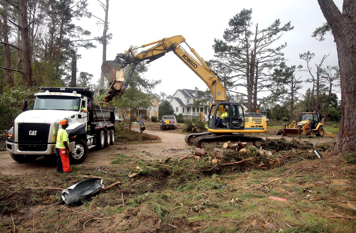 County crews expect 4 weeks of cleanup work after Johns Island tornado