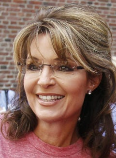 Palin-Bachmann feud brews: Once allies, tea party stalwarts find themselves chasing same voters