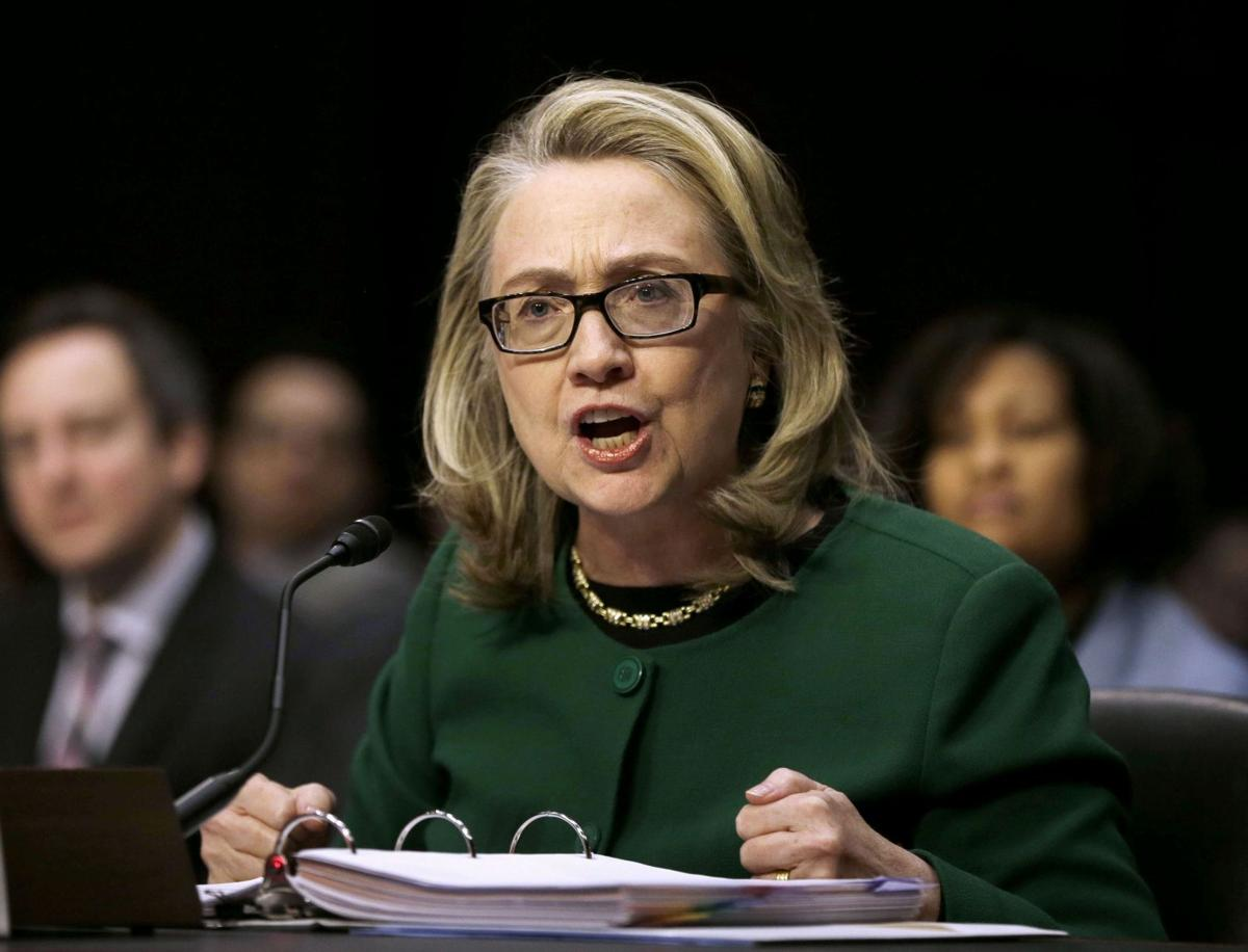 Emails show top officials aware of Clinton's private address