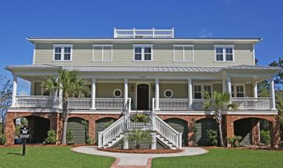 2525 Ballast Point Inviting Lowcountry home overlooks marsh on Mount Pleasant cul-de-sac