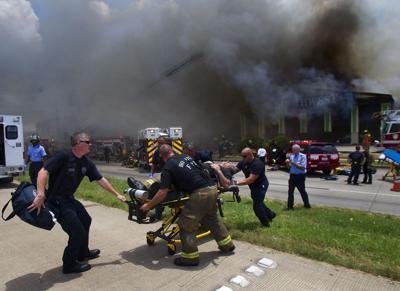 Blaze kills 4 firefighters