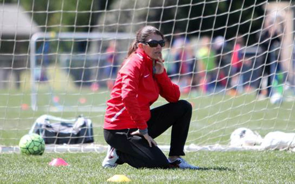 Hamm shares love and passion for game with Mount Pleasant youths